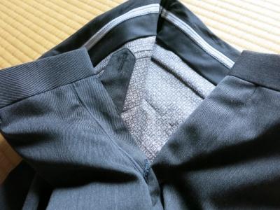 未完のドレスパンツ