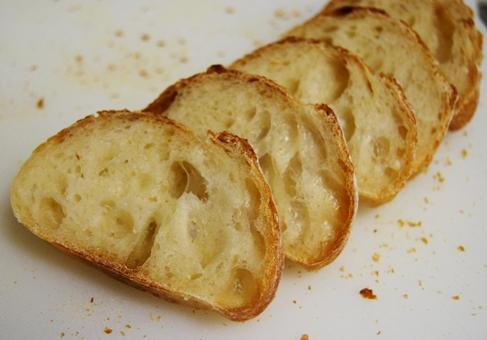 20090208酒粕酵母フランスパン断面