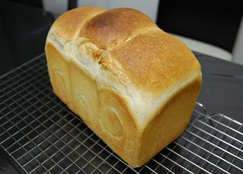 酒粕酵母食パン(卵入り)