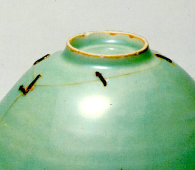 馬蝗絆(ばこうはん)青磁(せいじ)茶碗