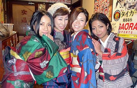 着物姿の女性客