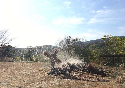 藁の乾燥作業