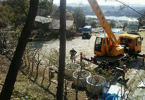貯水タンク埋め立て作業