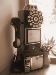 フレッシュネスバーガーにあったレトロ電話
