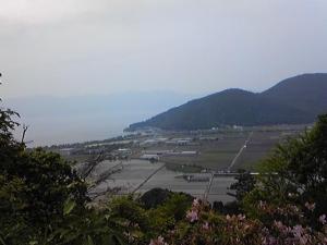 八幡山より