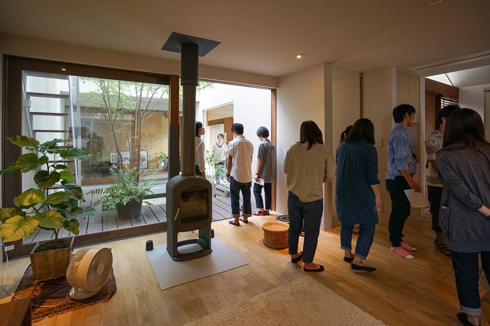 木立ちの家見学1.jpg