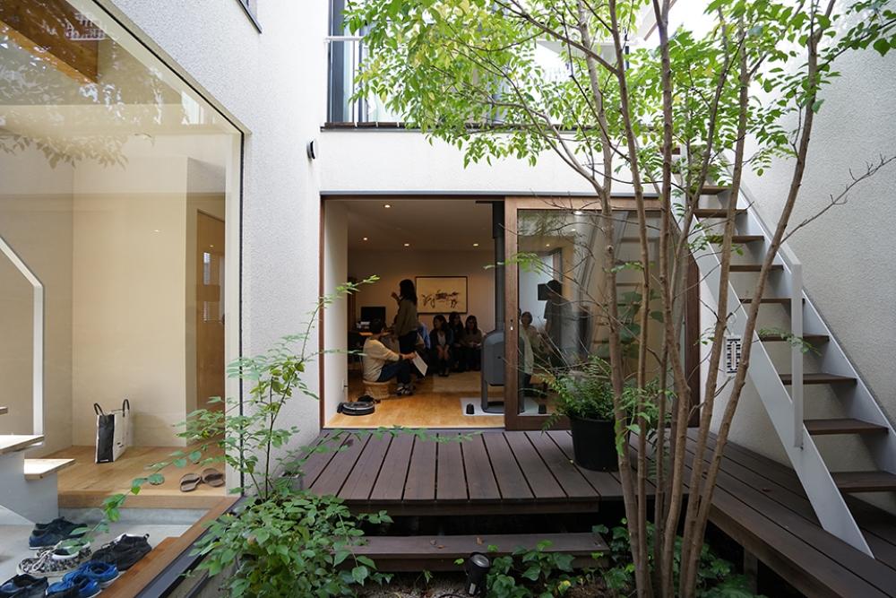 木立ちの家見学2.jpg