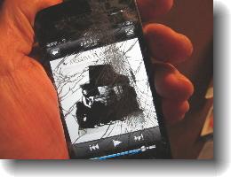 こわれたiPhone2S