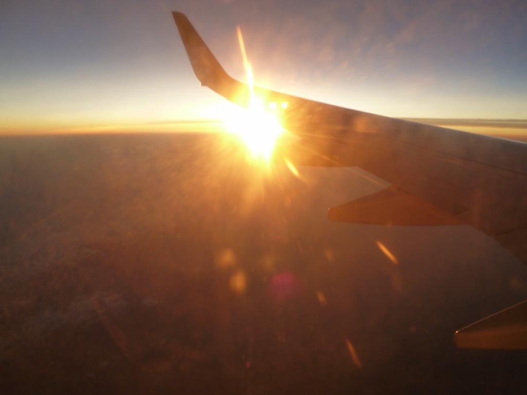 機内から夕日