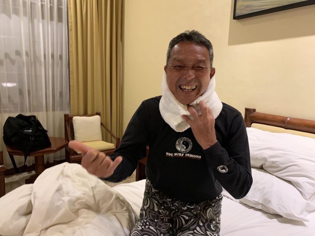 角田パパ負傷