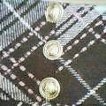 金ボタン付きチェックスカート�