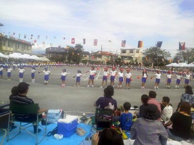 運動会での娘のダンス2
