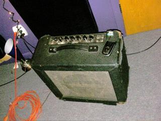 ampeg amp M12