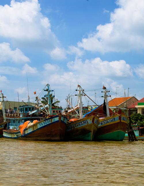 メコンデルタの水上生活者達の船2