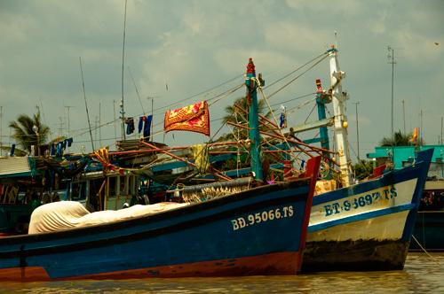 メコンデルタの水上生活者達の船1