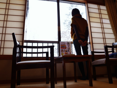 米沢旅行/部屋から外を見る