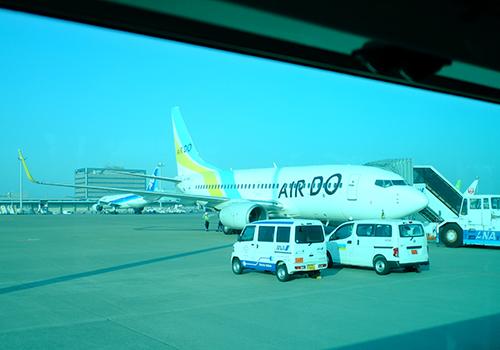 羽田は連絡バスで搭乗機へ。