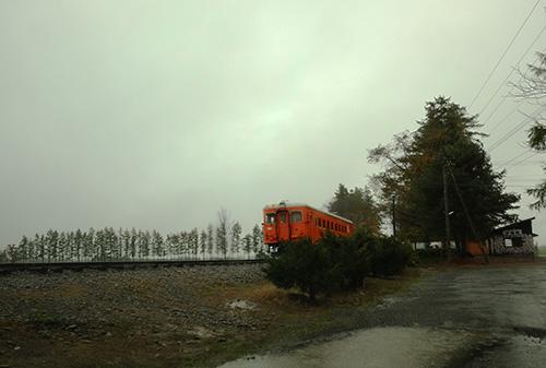雨の幸福交通公園