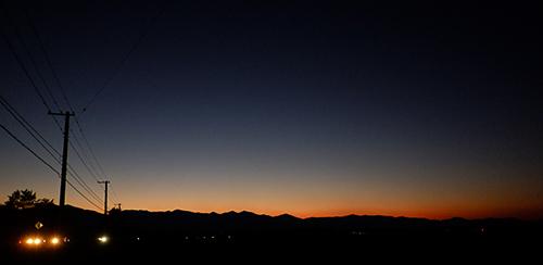夕焼けに映る日高山脈の稜線