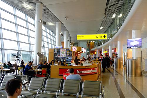 モスクワ・シェレメチボ空港/ボーディングゲートが並ぶ辺り