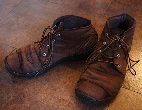 アディダスの革靴1