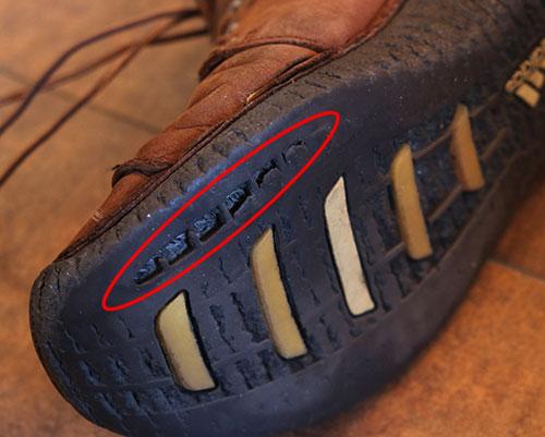 アディダスの革靴2底