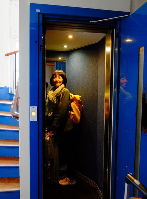 パリのホテルのエレベーター