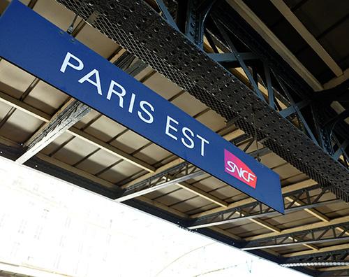 パリ東駅TGVホームの表示