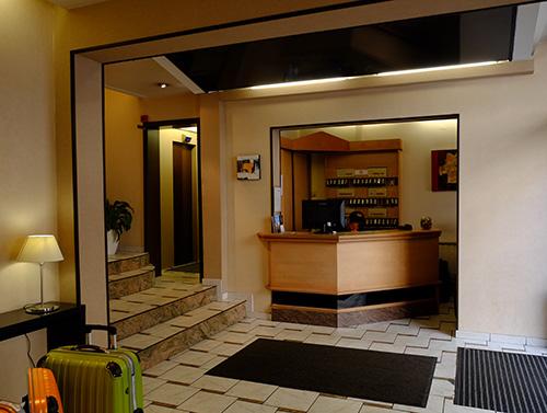ストラスブールのホテルのフロント