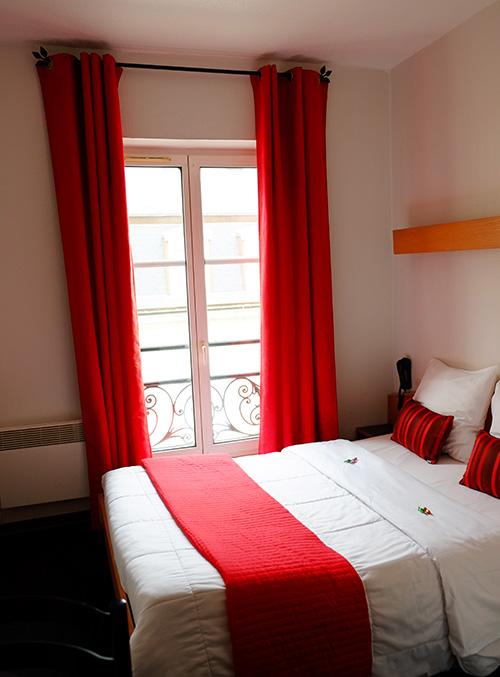 ストラスブールのホテルの部屋