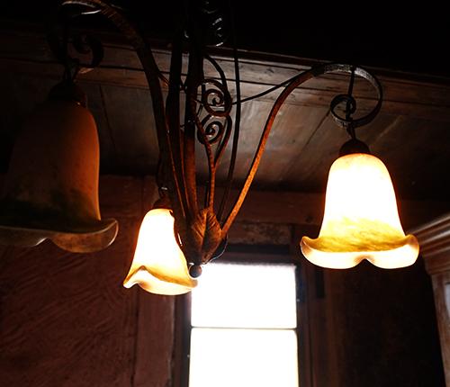 エコミュゼ/塔の中の部屋の灯り
