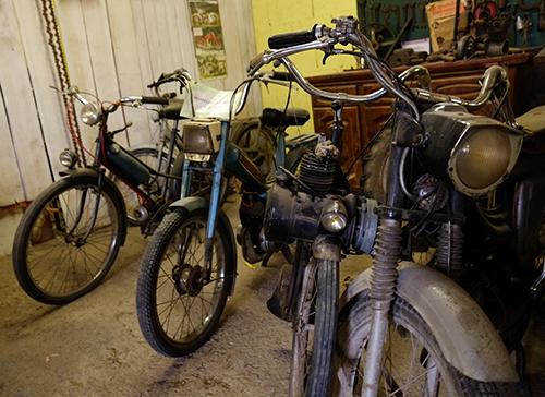 エコミュゼ/納屋のバイク2