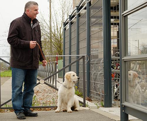 ボルウィラー駅/犬の散歩のおじさん