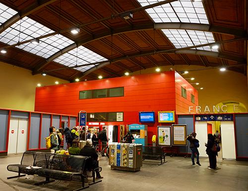 バーゼル駅/入管外側入り口付近