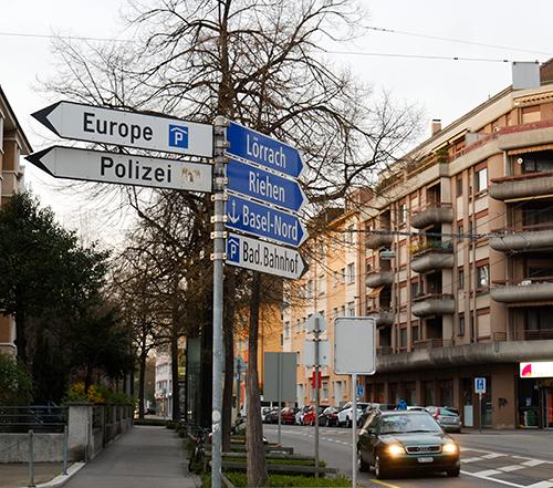 バーゼル街中/Europeの道路表示