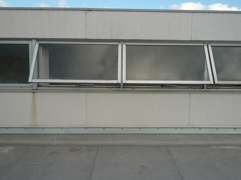 排煙窓アフター1.JPG