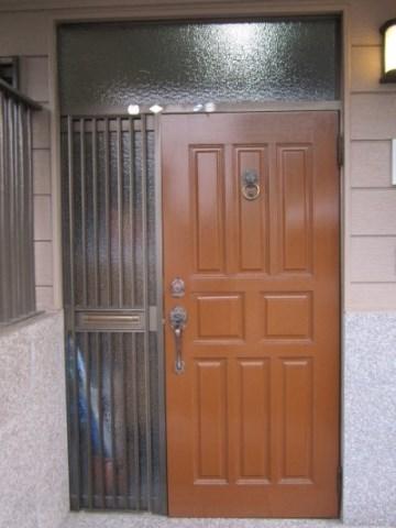 玄関ドアリフォーム前.JPG