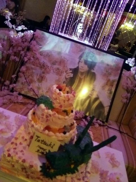 バースデーイベントのケーキ