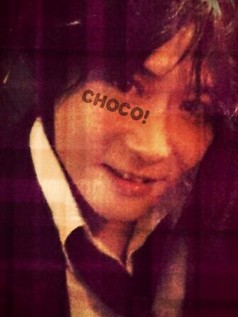 チョコレート欲しがる男子