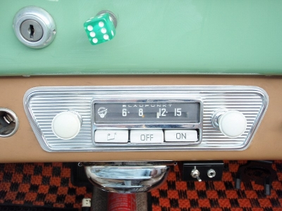 オーディオ交換 ブラウプンクト西ドイツ製ラジオ with iPod-touch インターメカニカ