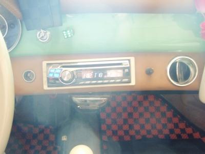 ポルシェ356 ブラウンプンクト ラジオ ipod
