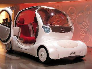 未来の車がいっぱい