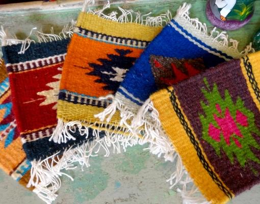 メキシコの手織りウールラグ「タペテ」のコースター