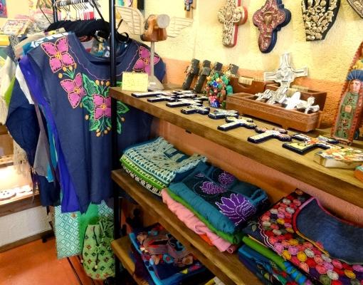 メキシコ オアハカ・チアパスのメキシコ刺繍服