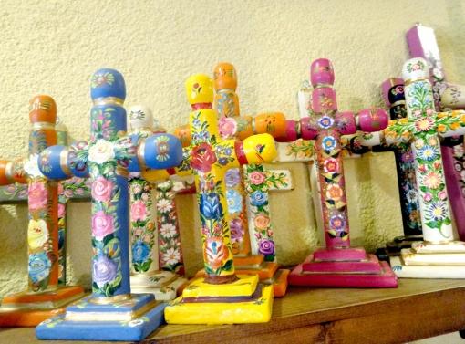 メキシコのフラワーペイント十字架