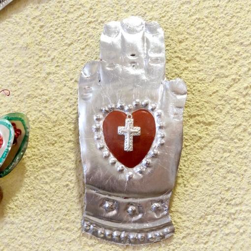 メキシコの手モチーフのブリキオーナメント