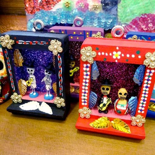 メキシコのガイコツのミニ祭壇