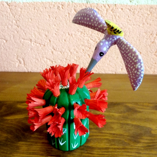 メキシコのアレブリヘスのサボテンとハチドリ