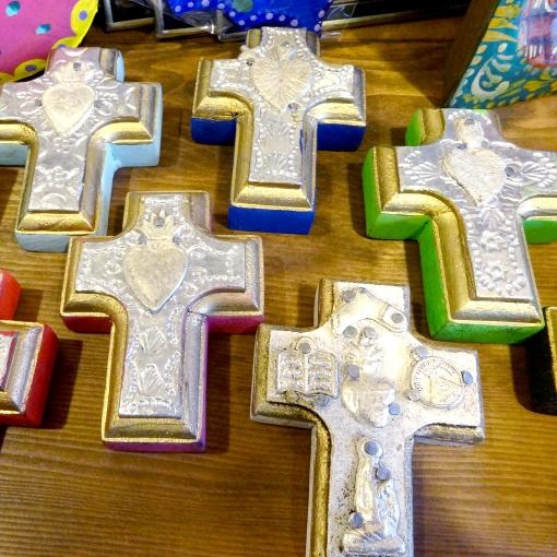 メキシコのお守りミラグロ付ミニ十字架