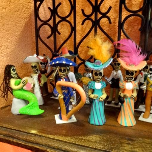 メキシコのガイコツ人形[Pick Up]